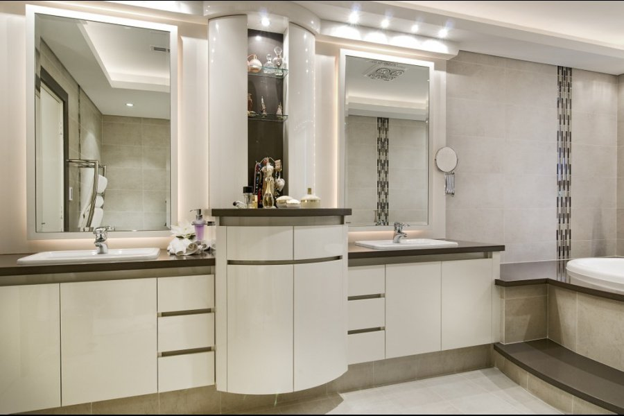Grand Kitchens_Prestiani Residence